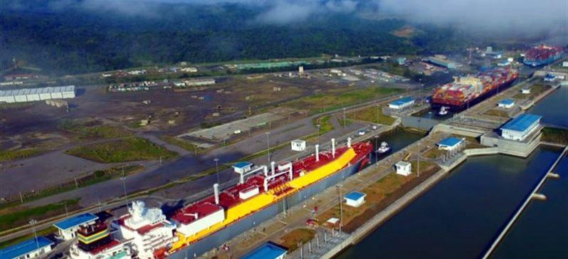 El Canal de Panamá cierra ejercicios con record de transporte
