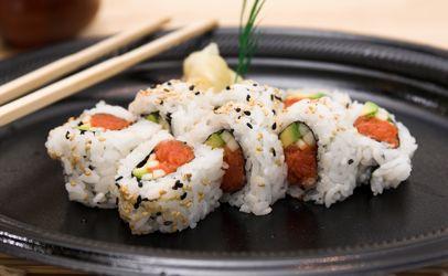 Supermercados americanos retiran sushi envasado de atún por listeria