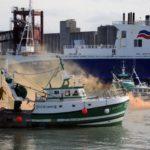 Los pescadores normandos cierran el puerto de Le Havre