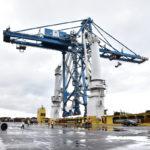 El Puerto de Bilbao acoge el embarque de una gran grúa de 1.280 toneladas