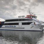 Gondán bota el catamarán más grande  y rápido construido en GRP, en España.