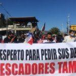 Pescadores artesanales se manifiestan ante el Congreso para exigir anulación de la Ley de Pesca