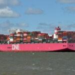 Cerca de 1.900 contenedores de una naviera japonesa perdidos  en el Pacífico